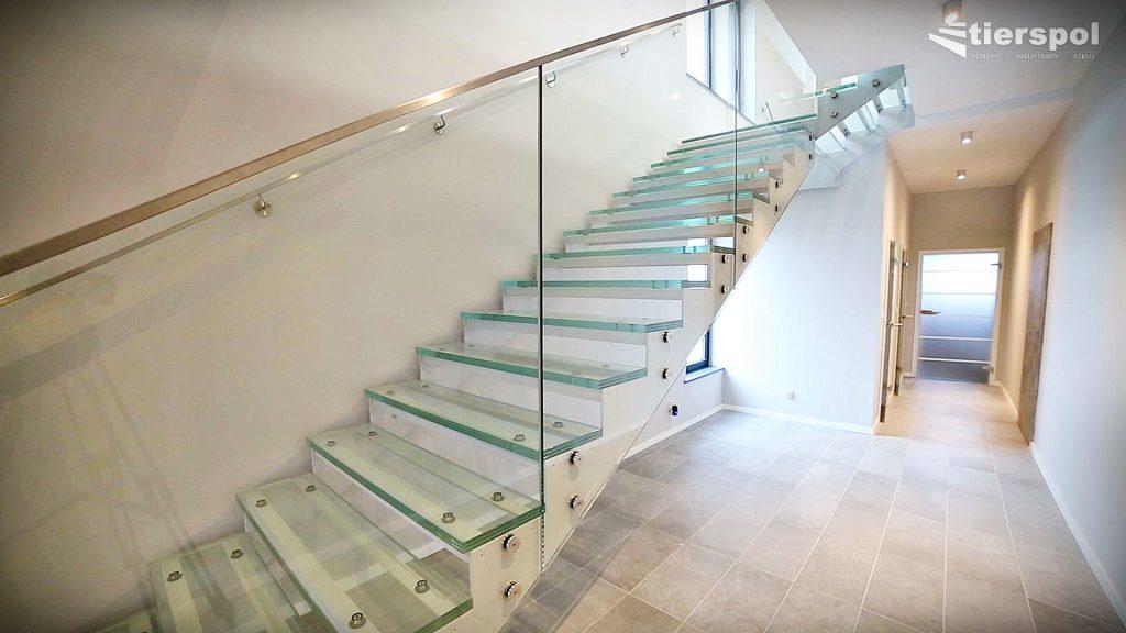 klatki-schodowe-ze-szklanymi-schodami-img